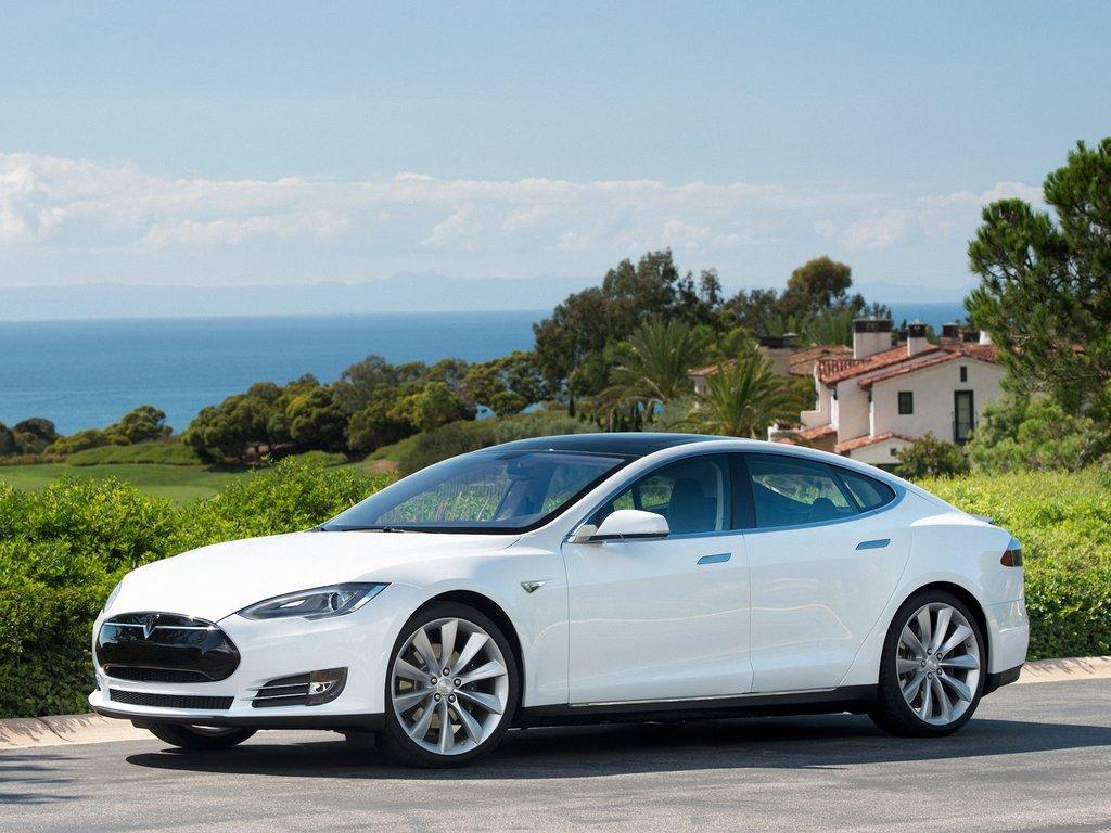 Tesla S do 2016